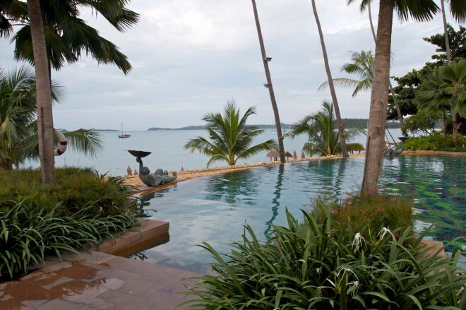 The part of the pool is the Switzerland of the area between the beach and the swim-up bar.