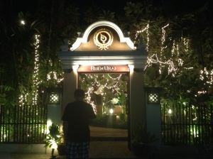 The entrance to Ruen Urai